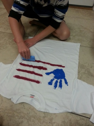 Veteran's Day Fun with Fabirc Paint T-Shirts by My Paper Craze